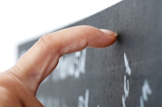 fingernail on chalk board 550 px